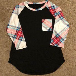 Raglan sleeve tshirt